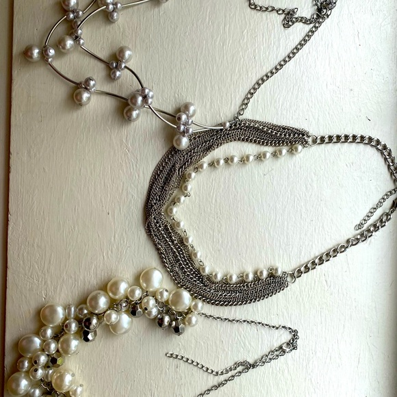 Pearl Necklace Sets.